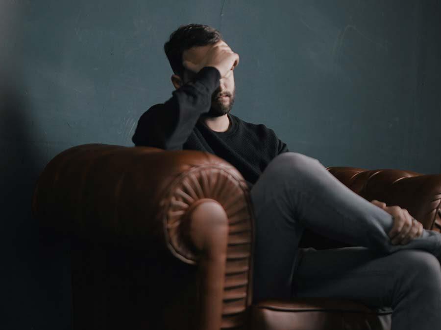 Cómo se genera el estrés crónico y cuál es su impacto en nuestro cuerpo.